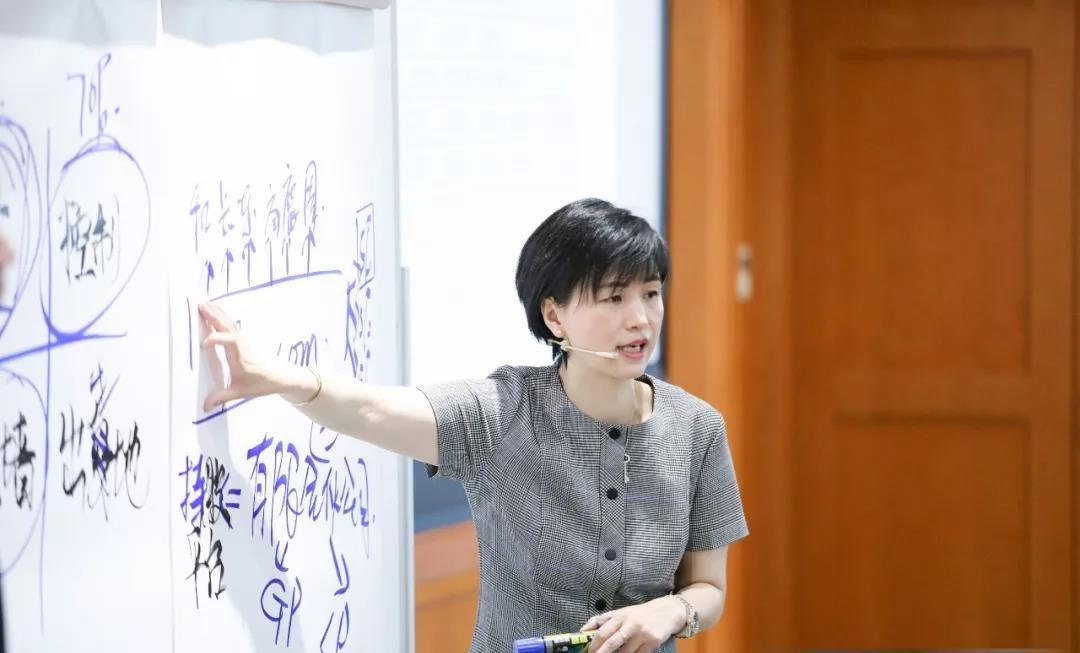 大理东昌佳园医药有限公司副总经理鲍亦东